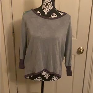 Gray ¾ length top